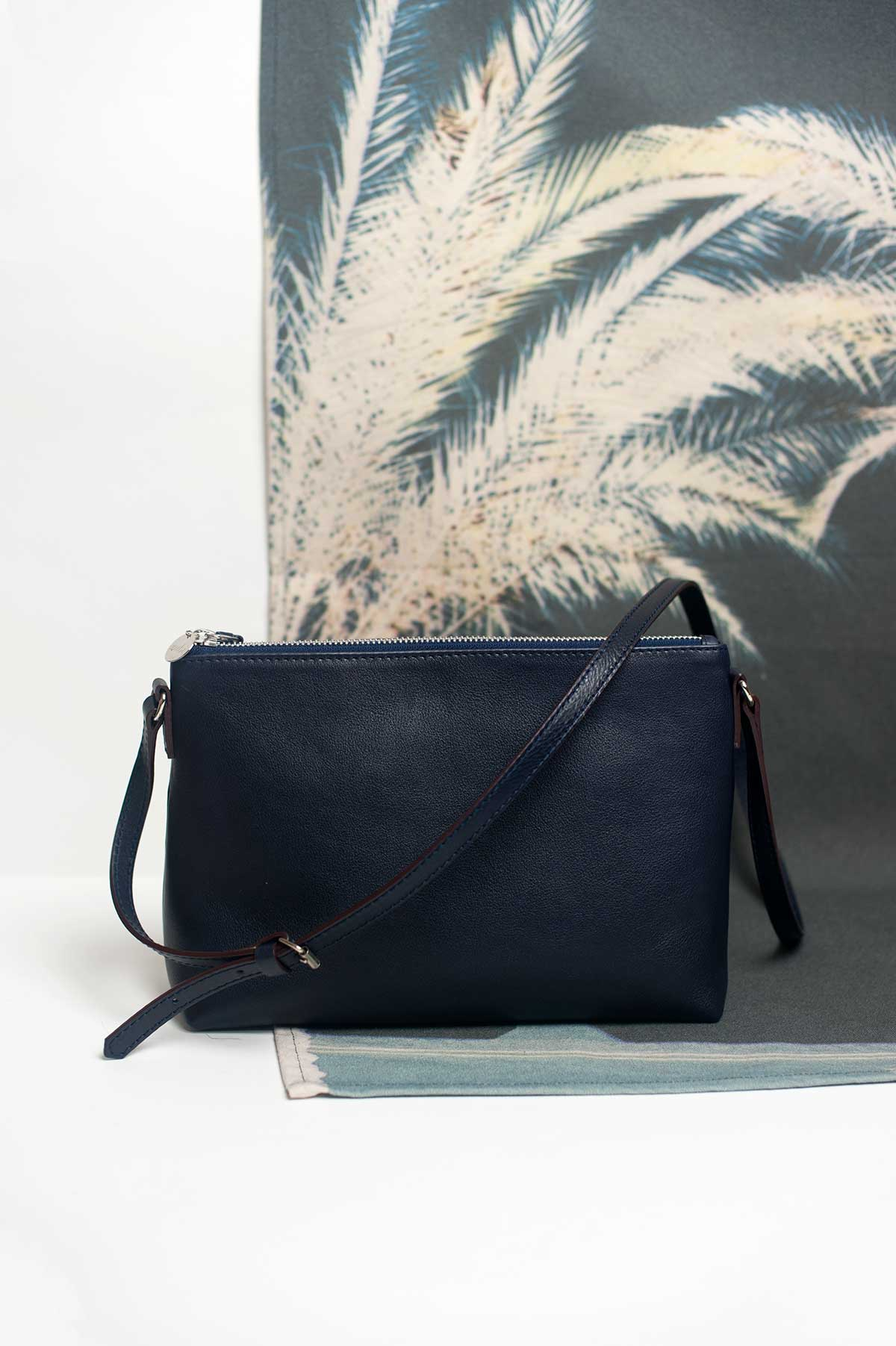 zubi_leather_bandolera_navy_02